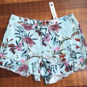 NWT Willow and Clay ruffled shorts